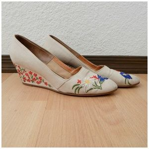 Vintage 70s Palter Deliso Embroidered Wedge Heel